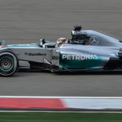 Lewis Hamilton behaalt pole position voor Grand Prix van Spanje